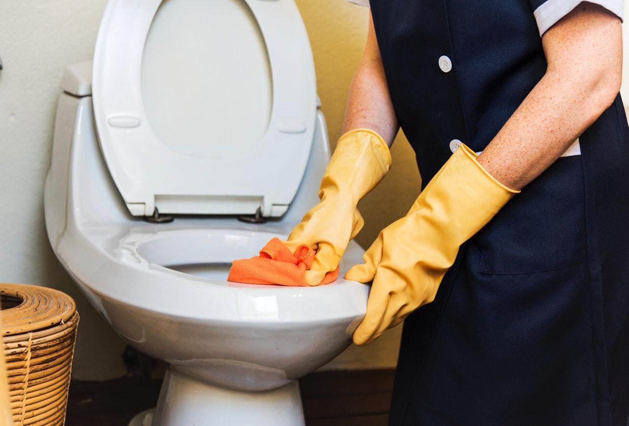 Toilet verstopt - wat te doen