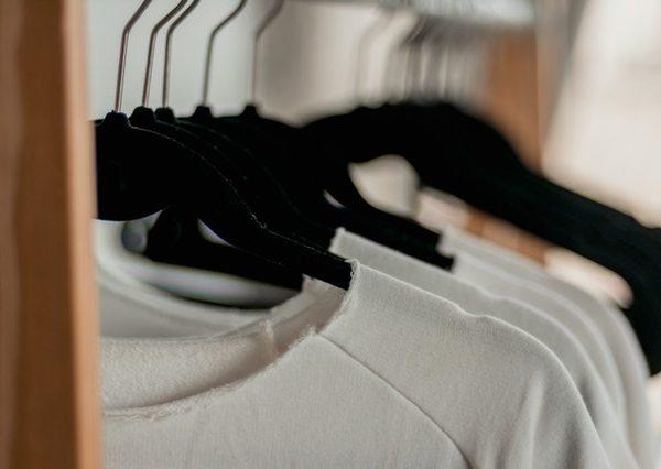 lage kledingkast